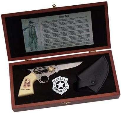 # RCSZMC2083TS Wyatt Earp Gun Knife Set